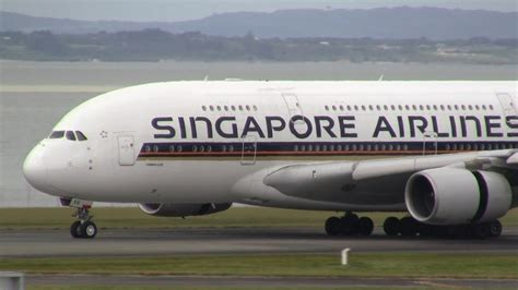 singapore airlines airbus   landing auckland airport youtube