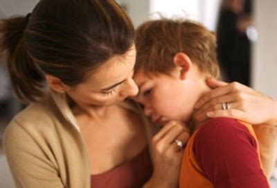 mother comforting child when discipline becomes anger creates fear todaysmama