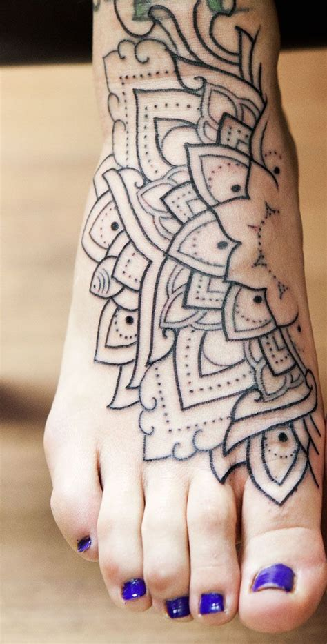 henna tattoo barcelona 17 best ideas about half mandala on
