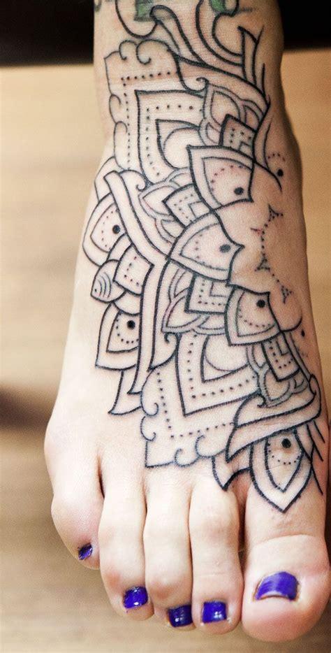 henna tattoo barcelona 17 best ideas about half mandala on