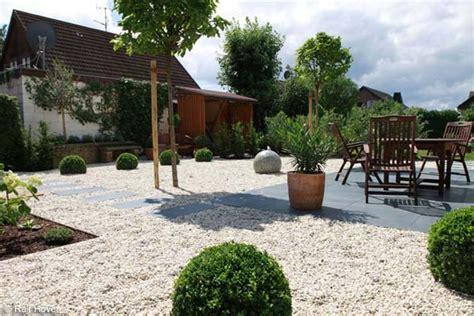 Gartengestaltung Modern Beispiele gartengestaltung beispiele modern kunstrasen garten