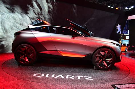 Peugeot Quartz Side View At The 2014 Paris Motor Show