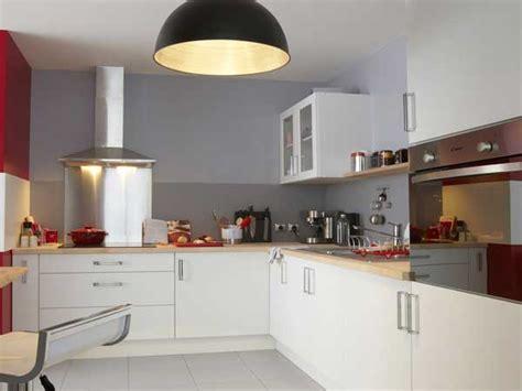 agréable Plan De Cuisine En Marbre #2: meubles-blancs-satines-leroy-merlin-dans-cuisine-blanche1.jpg