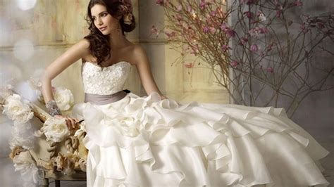Rented Wedding Gowns by Wedding Trends Renting Your Wedding Dress