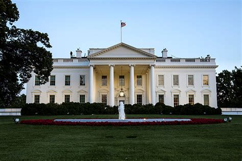 picture of the white house the icon white house trivia intelligent travel