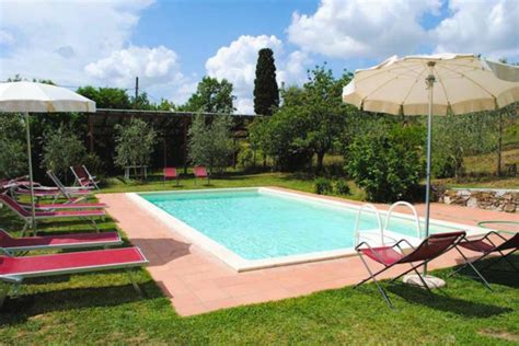 schöne hinterhof pools ferienhaus in toskana mit pool 53 fotos