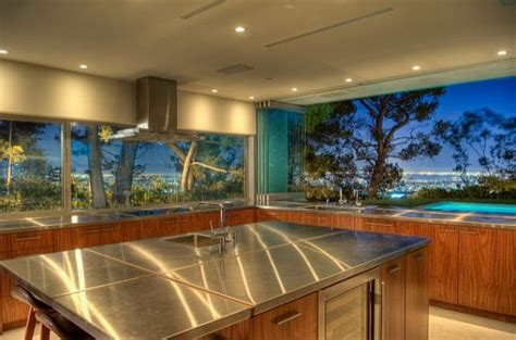 kitchen view 5 amazing kitchens with stunning views