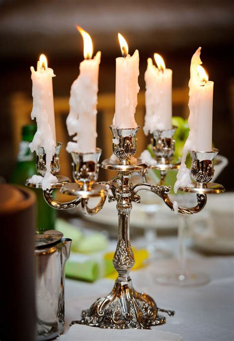 Making A Candelabra Centrepiece For Your Wedding