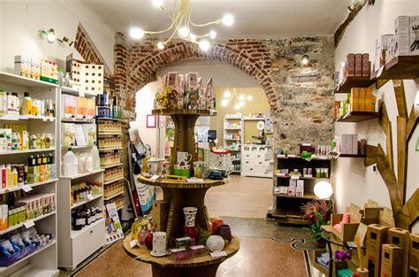 Sho Herbal Bsy la pulsatilla organic herb shop genova historical centre