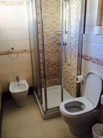 foto di docce bagno con box doccia foto di hotel valparaiso rimini