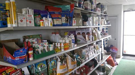 gifford s farm market feed store marked 1553 biggs