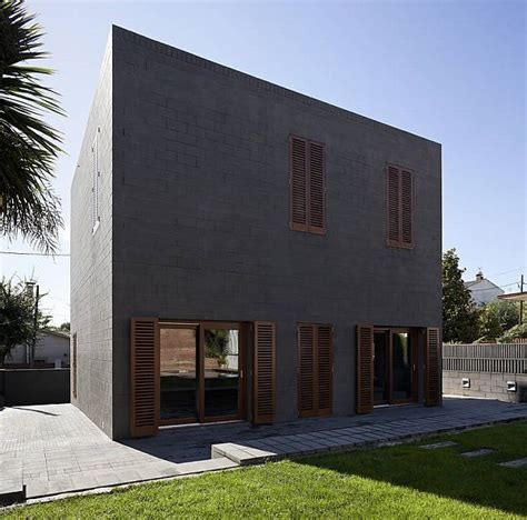 Cube House In Barcelona