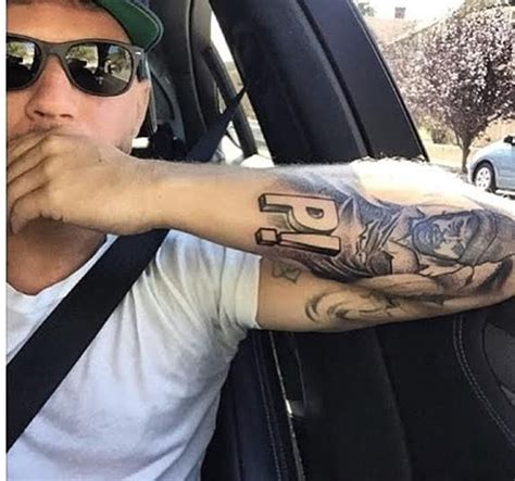 ryan phillippe tattoos actor phillippe gets a price