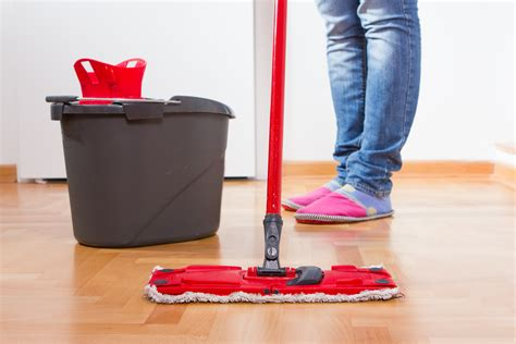 Best Way To Sweep Hardwood Floors by Cleaning Hardwood Floors Best Way To Clean Hardwood