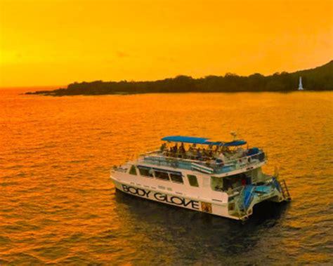 catamaran cruise kona night kona manta ray snorkel even cooler than you think