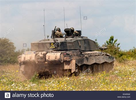 challenger 2 tank challenger 2 battle tank mbt of the army on