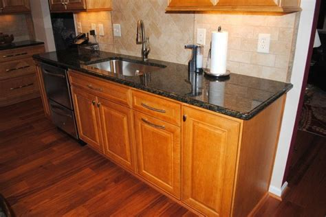 Kitchen Backsplash Pictures With Maple Cabinets by Hardwood Floor Maple Prescott Butterscotch Cabinets Tile