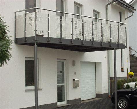 terrassenüberdachung metall balkone aus stahl home interior minimalistisch www