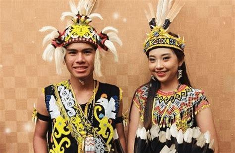 pakaian adat indonesia lengkap  gambar  asalnya
