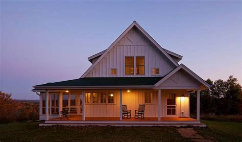 simple farmhouse a classic farmhouse homebuilding