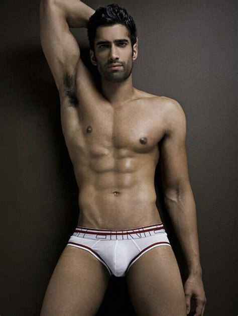 Shirtless Bollywood Men Sukhdeep