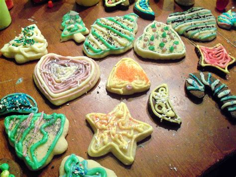 cookie decorating putting it all on the table