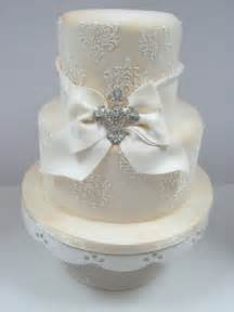 Here s a take that we did for a wedding cake a few months ago this