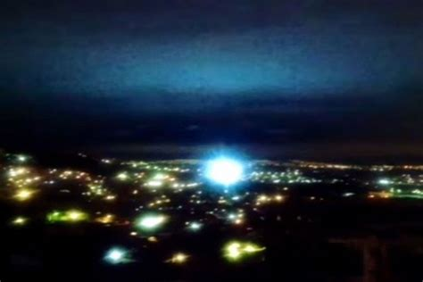light in sky today mysterious lights in the sky seen after mexico s