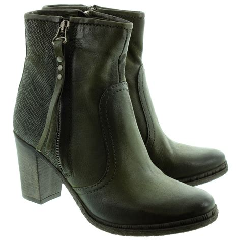 mjus 580204 heeled ankle boots in green in green