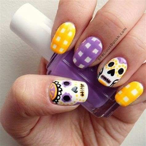 halloween nail art tutorial skulls 82 best halloween nail art tutorials images on pinterest