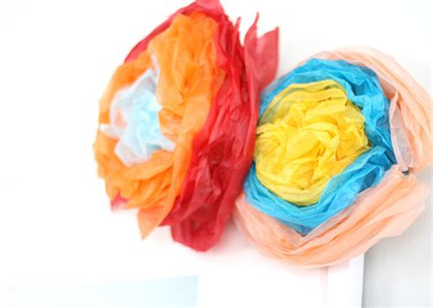 How To Make Paper Mexican Flowers - virginia costa mexican tissue paper flower flor