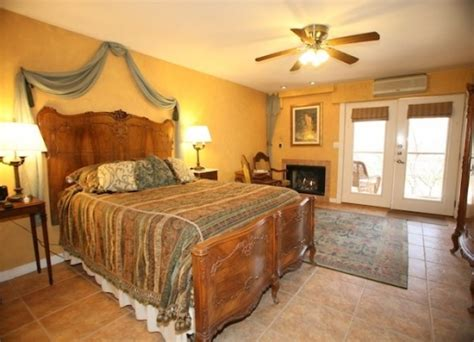 wimberley texas bed and breakfast special deals and packages at creekhaven inn bed and breakfast inn located in