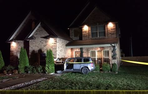 house gets shot mcso driver crashes into house after being shot clarksvillenow com