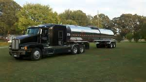 bulk truck liquid bulk commodity transport trucking bulk liquid