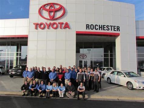 toyota dealer rochester mn rochester toyota rochester mn 55904 4000 car dealership