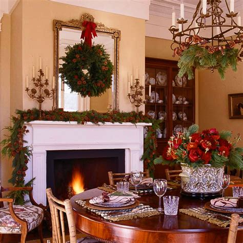 Online Home Decorating decorate with wreaths inside