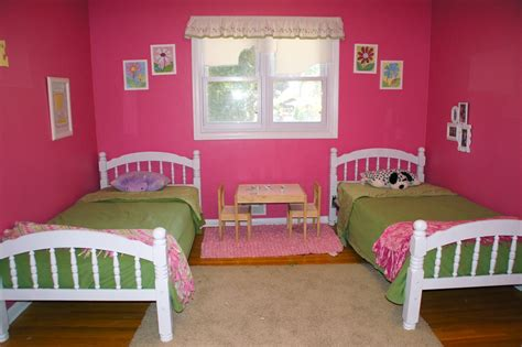 shared girls bedroom ideas girls shared bedroom flower theme the kid friendly home