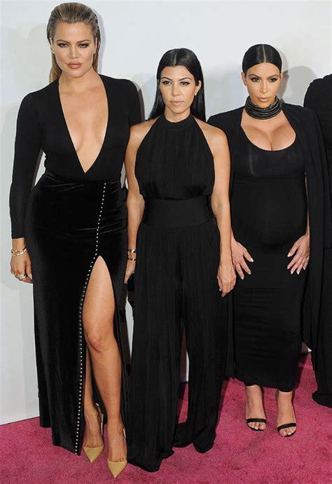 imagenes video kim kourtney kardashian disfrutando de las los peligros de las operaciones al estilo kardashian