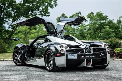 pagani hypercar video pagani huayra the king gets stuck on a beach