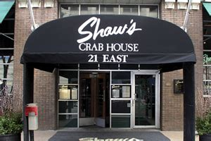 shaws crab house shaw s crab house and blue crab lounge go visit chicago