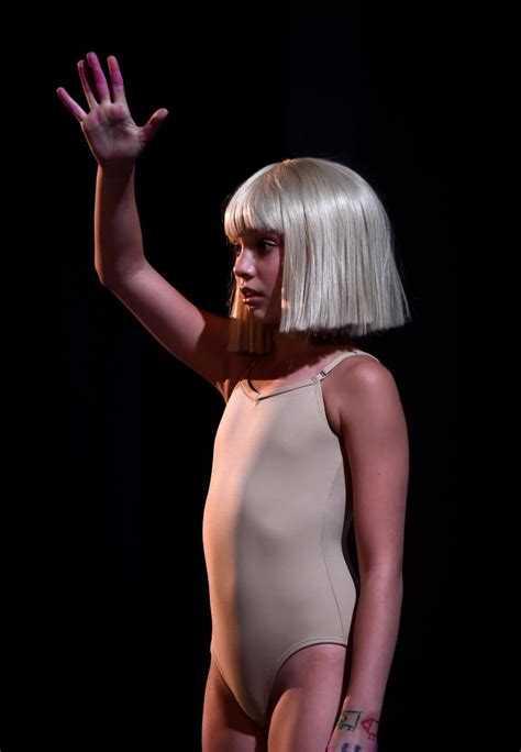 Sia Chandelier Performance Maddie Ziegler Of Performing At The Grammys Sia Announces Awards Show Performance