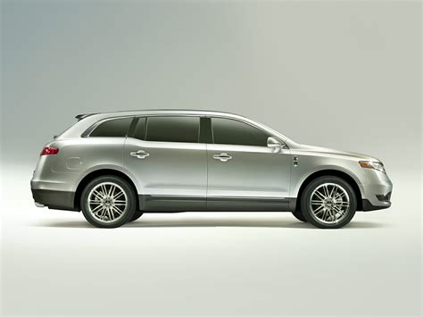 2014 Lincoln Mkt by 2014 Lincoln Mkt Price Photos Reviews Features