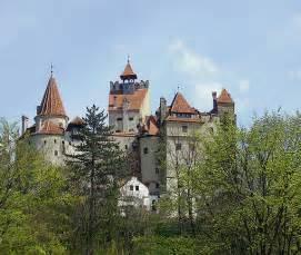 home of dracula castle in transylvania transylvania castle pictures to pin on pinterest pinsdaddy