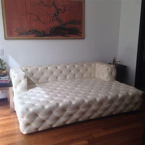 sofa moderno  sala familiar   en