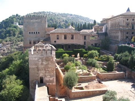Alhambra (8 15c.), Granada, Spain: Architecture, History