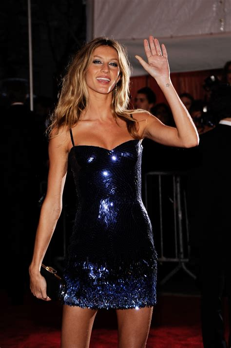 Supermodel Fashion Faceoff Vs Gisele by Photos Of Gisele Bundchen And Tom Brady At The 2009