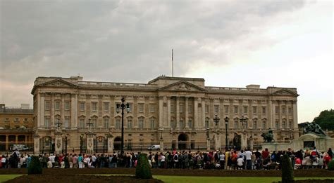 buckingham palace on aboutbritain