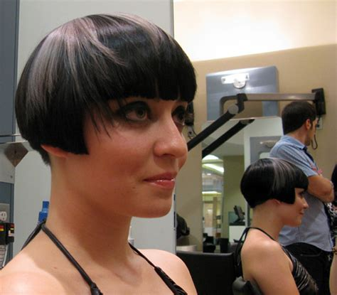 how to wear extension for bobcut how to wear a bob cut avalon school of cosmetology
