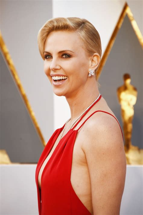 film oscar charlize theron charlize theron oscars 2016 in hollywood ca 2 28 2016