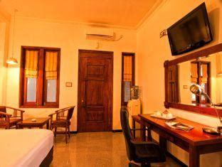 Sofa Meja Rias Tatakan Galon hotel residence yogyakarta hotel jogja